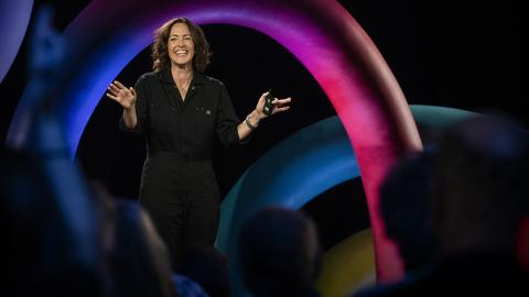 How drawing invites authentic connection | Wendy MacNaughton
